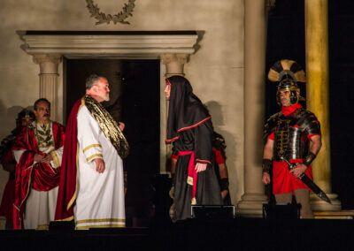 El Juicio de Pilatos, flagelación, coronación de espinas, liberación de Barrabas